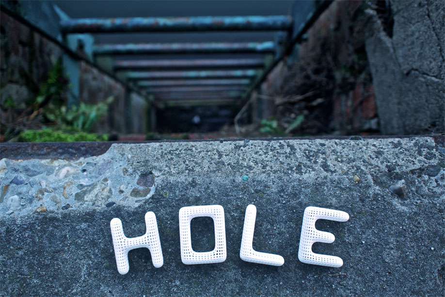 Hole, spelled with the Cloudswimmers Alphabet